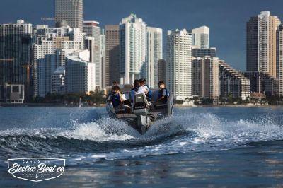 Canadian Electric Boats Volt 180