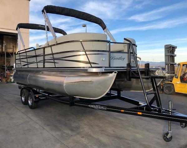 Bentley Pontoons 220 CRRE