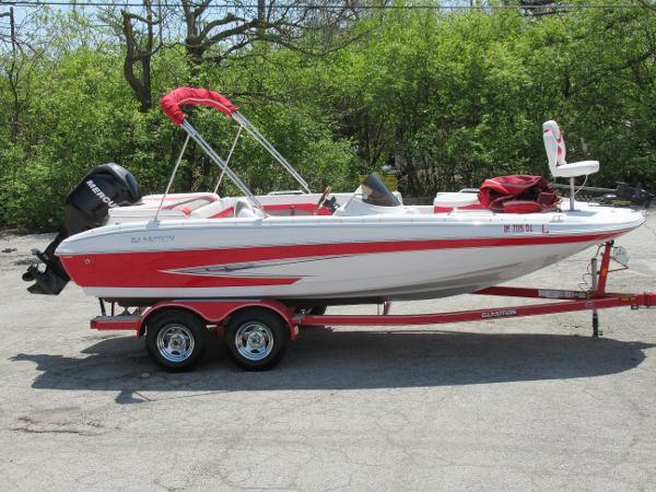 Glastron DS 200 Deckboat