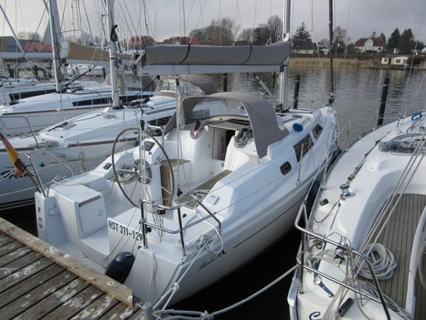 Hanse 325