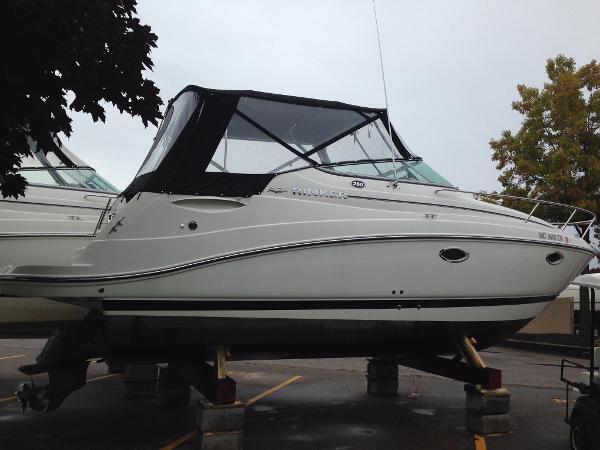 Rinker 260 Express Cruiser Starboard profile