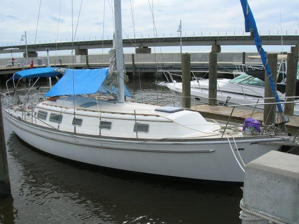 Gulfstar 37 Sloop