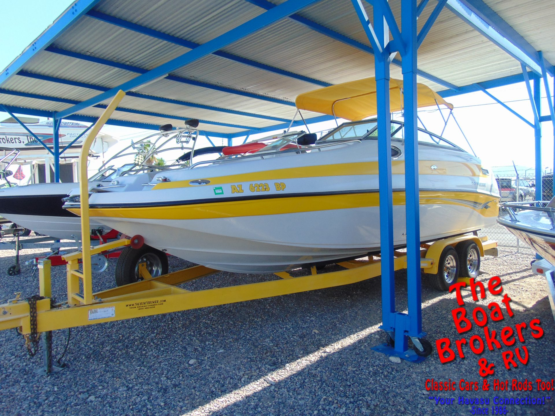 Crownline 232 Deck Boat