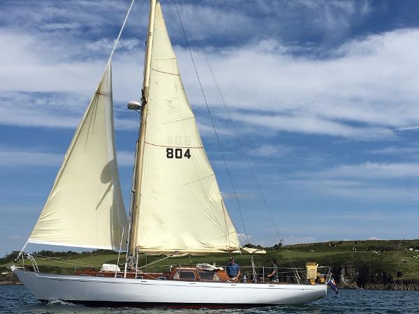 Laurent Giles 42 Classic Under Sail 2017
