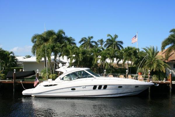 Sea Ray 48 Sundancer Profile