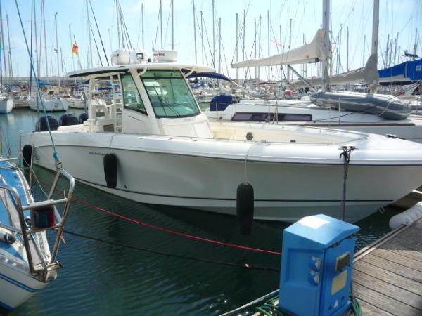 Boston Whaler 350 Outrage Boston Whaler 350 Outrage