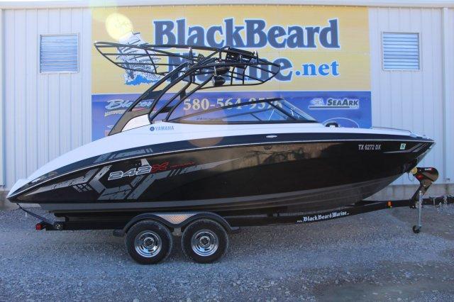 Yamaha Boats 242 E Series