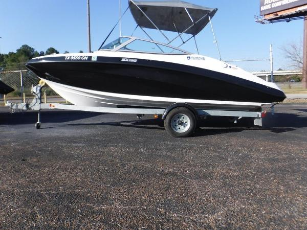 Yamaha Boats SX190 With Galvanized Trailer