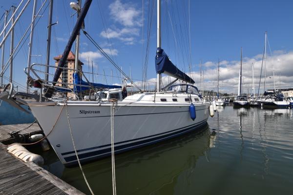Hanse 371