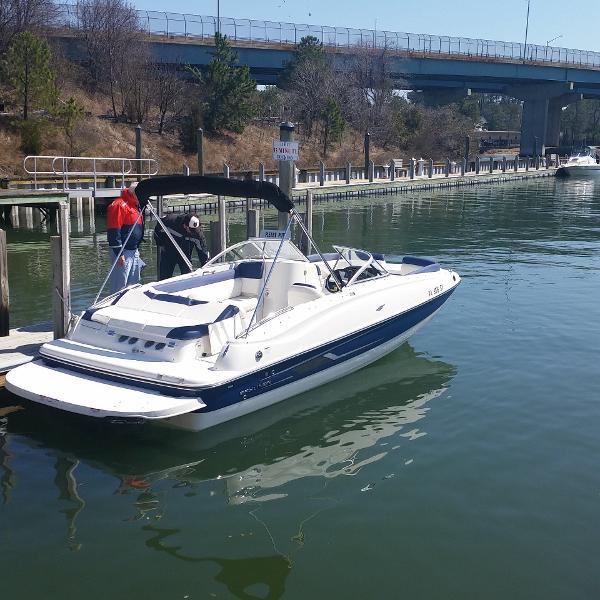 Bayliner 215 Deckboat 2015 Bayliner 215 Deckboat, stbd stern