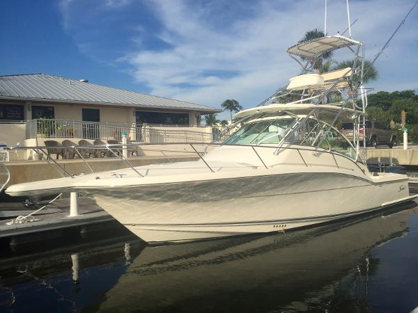 Scout Boats 350 Abaco Port Bow