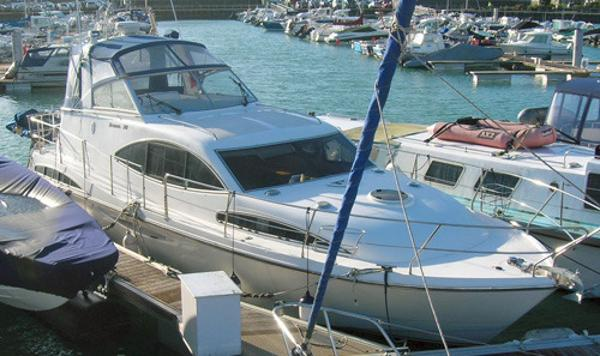 Broom 39 KL 2 plus 2 Broom 39 KL 2 plus 2 afloat