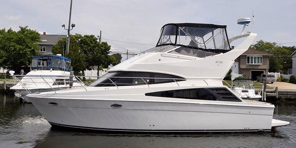 Carver 33 Super Sport, 35 Super Sport, 36 Super Sport Port Side