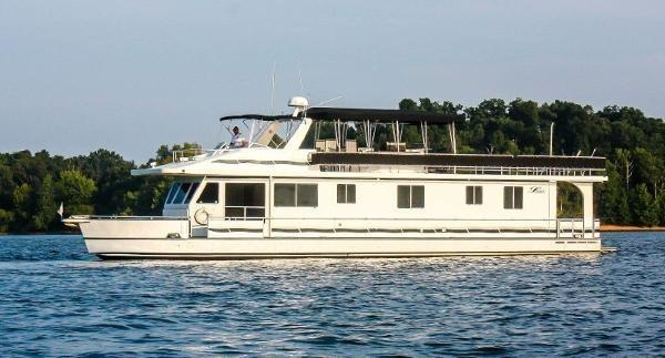 Legacy Lake Houseboat 75 Footer