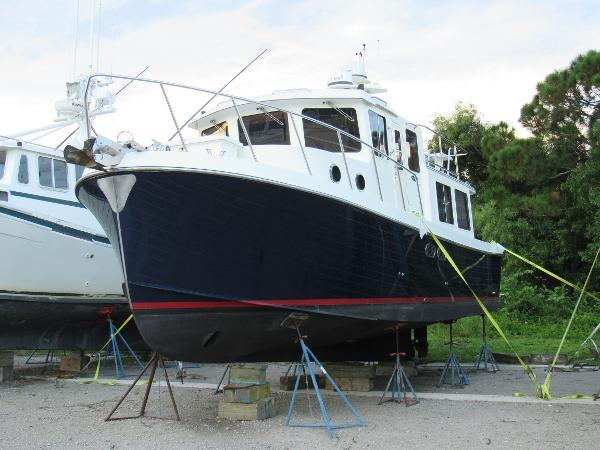 American Tug 34 Pilothouse