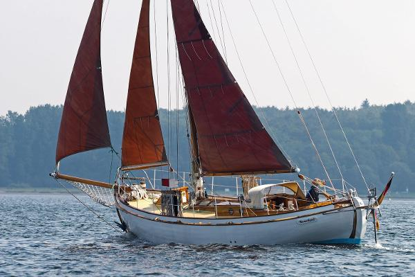 Danish Classic Wooden Double Ender