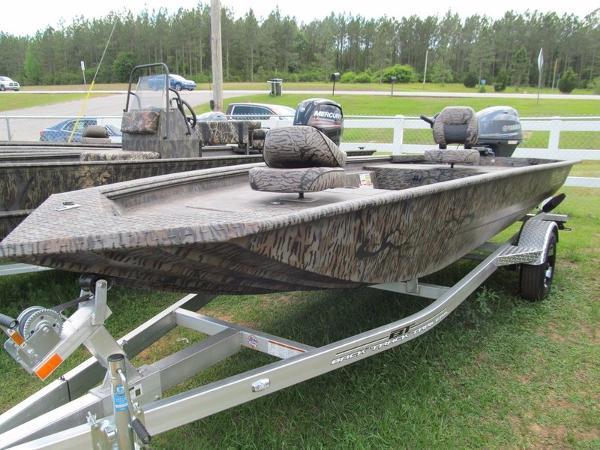 Xpress Boats Xpress Hyper-Lift® Duck Boat Series H16DB