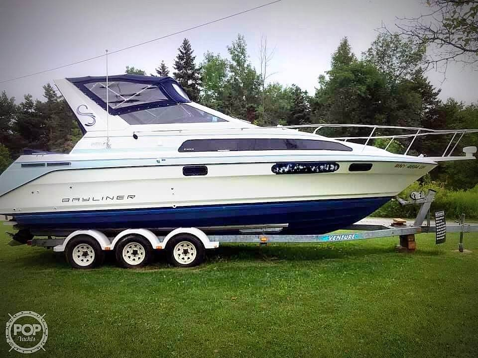 Bayliner 2855 Ciera Sunbridge 1992 Bayliner 2855 Ciera Sunbridge for sale in Cape Vincent, NY
