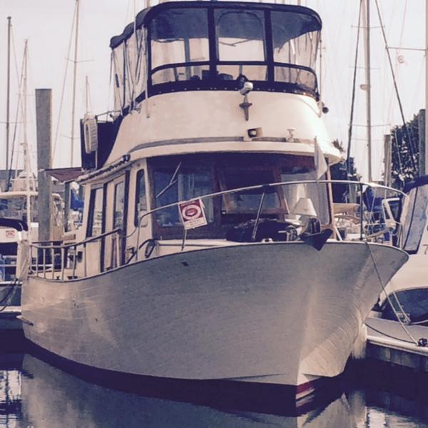 Marine Trader Double Cabin DOCKSIDE