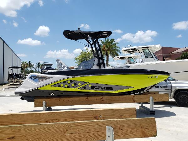 Scarab 195 Open Fun Boating - Eye Popping Graphics
