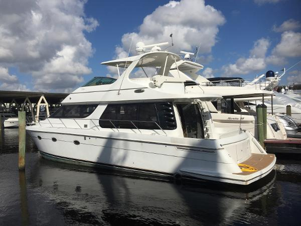Carver Voyager large engine675 Flybridge