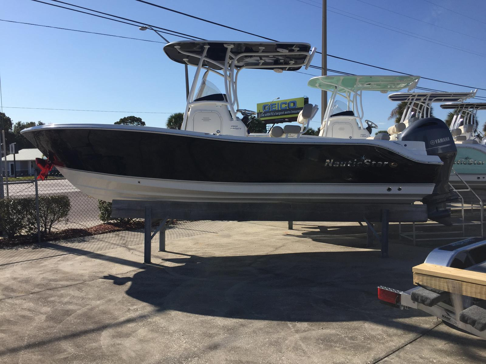 Nautic Star 2302 Legacy