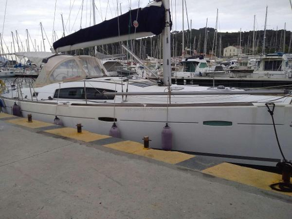 Beneteau Oceanis 40 AYC International Yachtbrokers - Oceanis 40
