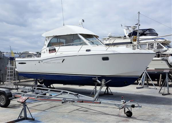 Beneteau Antares Serie 9 Beneteau Antares series 9 for sale with BJ Marine