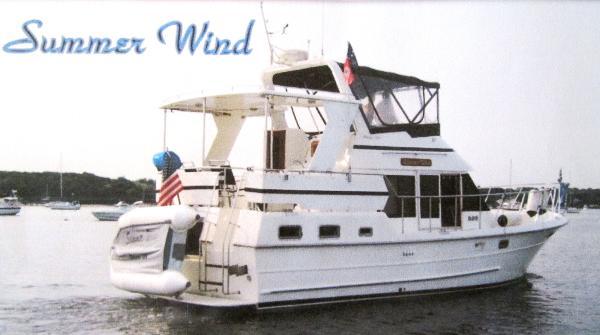 Heritage East Sundeck 36' Heritage East starboard aft profile