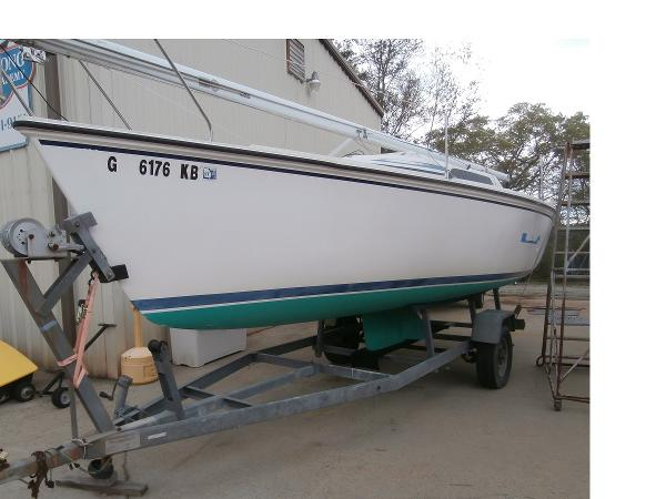 Hunter 23 Port View on Trailer