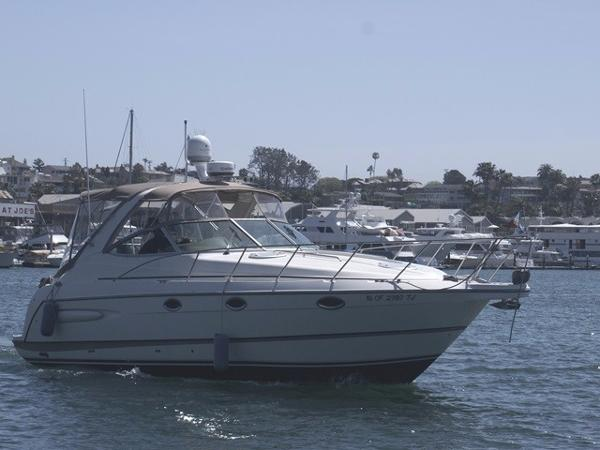 """Maxum 3300 SCR Starboard """"On the Water"""""""