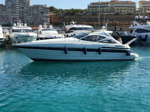 Pershing 43 Motor Yacht