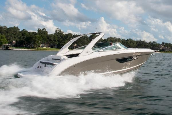 Regal 3300 Bowrider