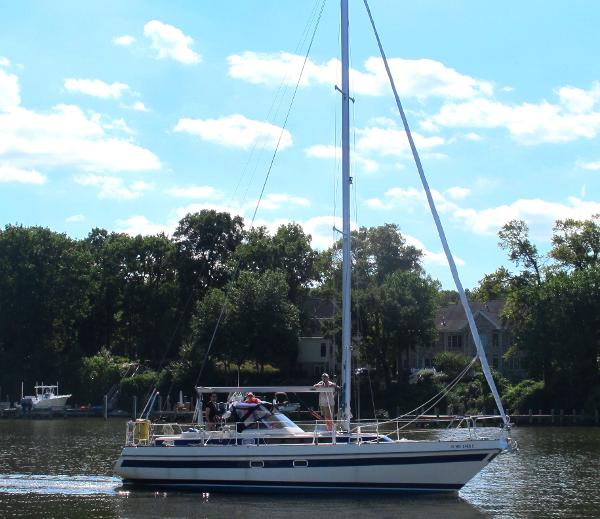 Sunbeam 37 Under way to Annapolis