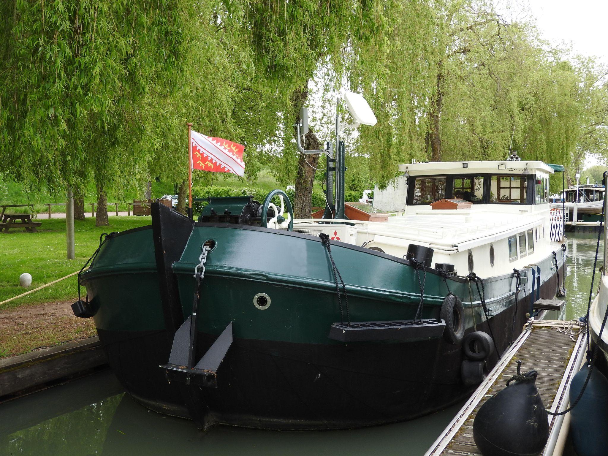Dutch Barge 17m
