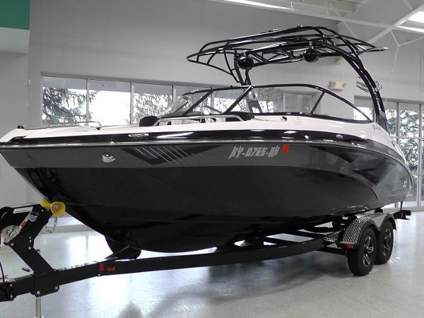 Yamaha Sport Boat 242X E Series