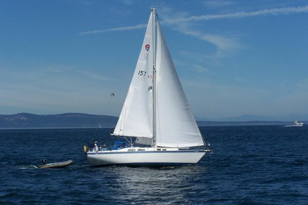 Columbia 10.7 Under Sail San Juan Channel