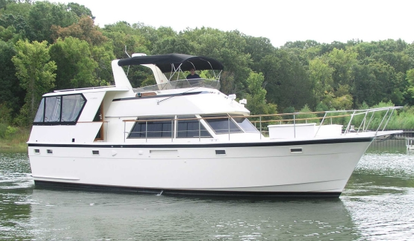 Hatteras 48 Motoryacht Stb Profile