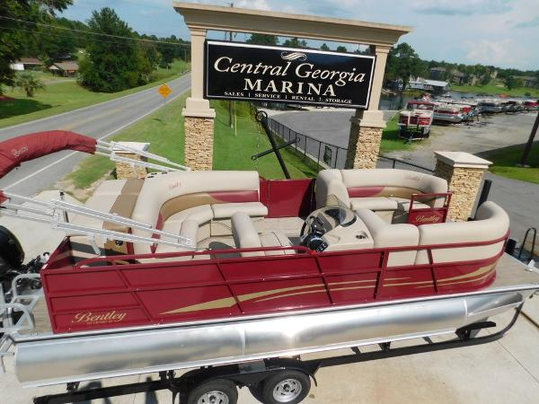 Bentley Pontoons 223 Cruise