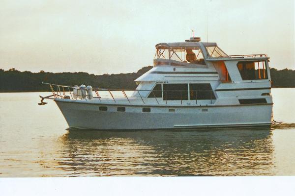 Heritage East 40 Motor Yacht