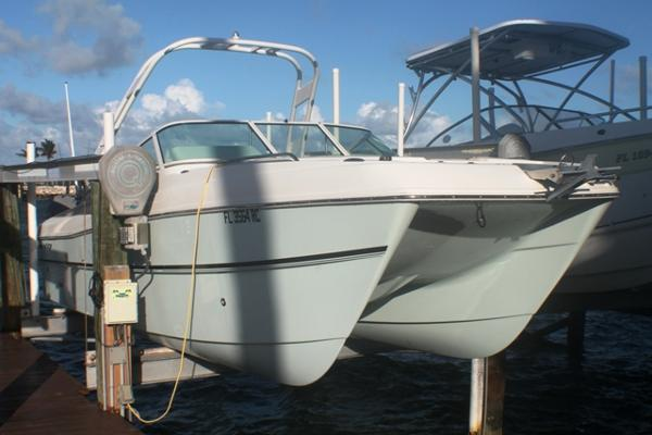 World Cat 230 Sport Fish