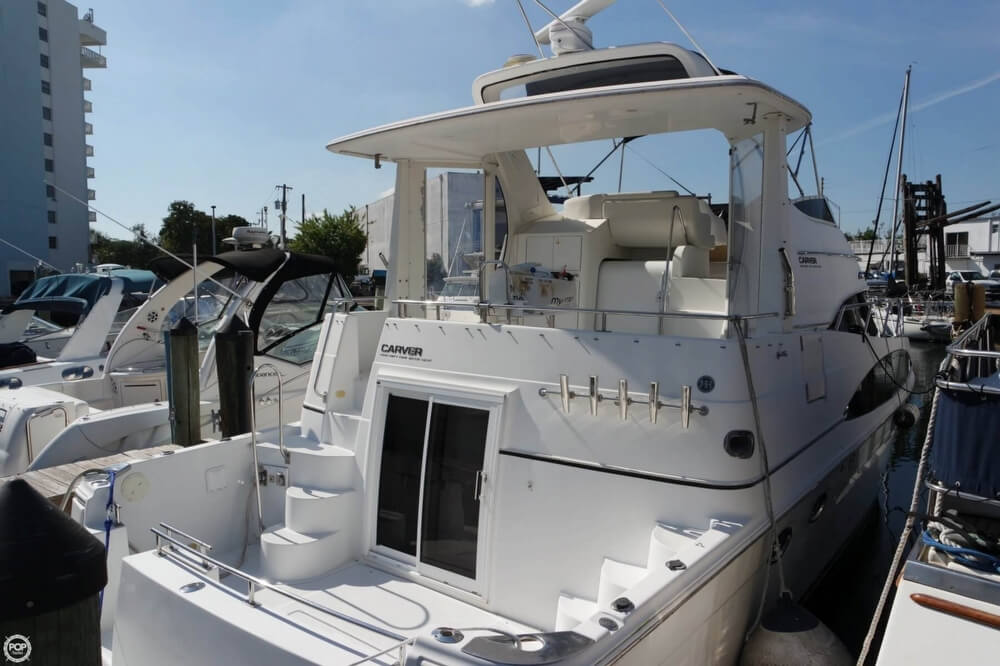 Carver 444 Cockpit Motor Yacht 2001 Carver 44 for sale in North Miami, FL