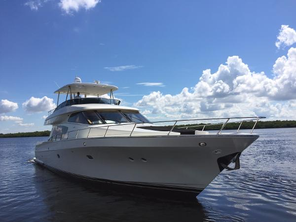 Mckinna 65 Pilothouse Stbd forward quarter view