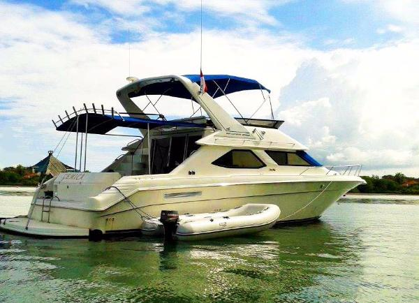 Sea Ray 440 Express Bridge Sea Ray 440 Express Bridge