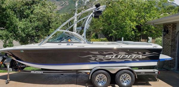 Supra Launch 21V Bowrider