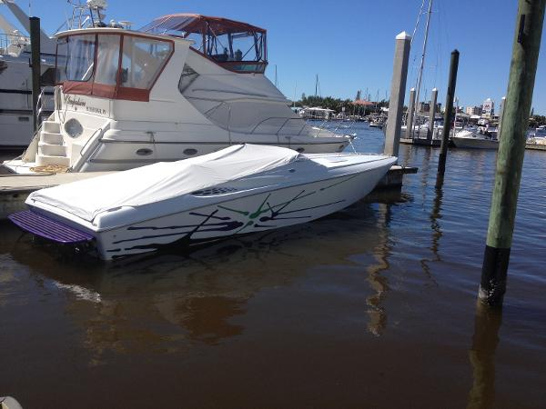 Baja 33 Outlaw Starboard Profile