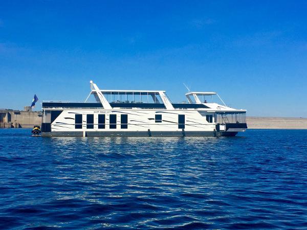 Fantasy Houseboat House boat