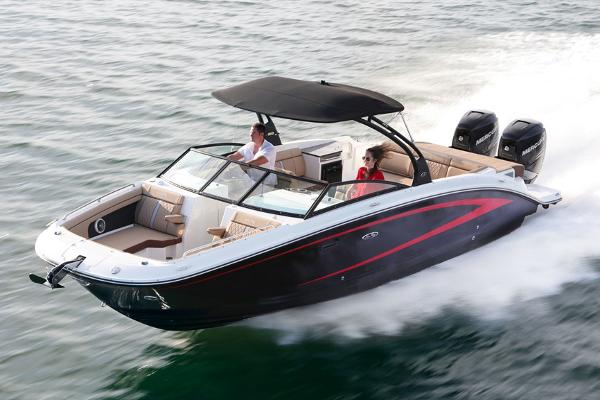 Sea Ray 290 Sundeck Outboard Manufacturer Provided Image