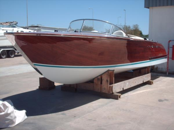 Riva (Replica) Aquarama