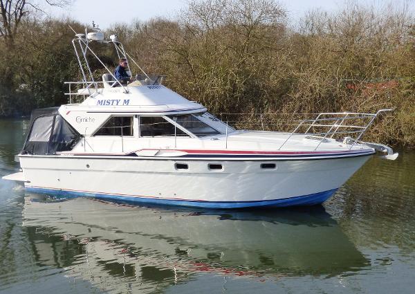 Fairline Corniche 31 Fairline Corniche - Twin Tamd41 200hp Shaft drive diesels - Tingdene Boat Sales
